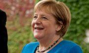 Направиха Меркел от марципан (СНИМКИ)