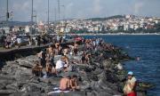 Втора вълна! Oчаква се затягане на мерките срещу разпространението на COVID-19 в Турция