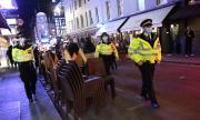 10 000 паунда глоба в Англия при отказ от изолация