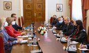Президентът се срещна с европейския комисар Стела Кириакиду (ОБЗОР)