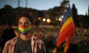 Изгониха евродепутат заради хомофобски пост