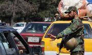 Безразборна стрелба уби и рани поне 70 души