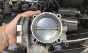 Защо не трябва да почистваме сами дроселовата клапа на мотора