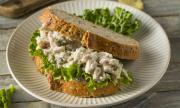 Рецепта за вечеря: Салата с пилешко, патладжани и гъби