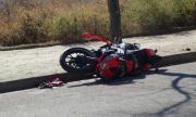 Моторист се заби в стълб и загина във Велики Преслав