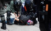 Китай: Никой няма право да се меси в Хонконг