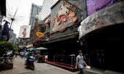 Тайланд отваря молове и магазини