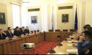 Обсъждат драстично намаление на депутатските заплати