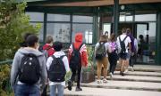Скандален случай: Учител принуди децата да носят маски на животни