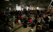 Сепаратисти блокираха пътища и влакове в Каталуния