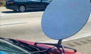 Глобиха шофьор на Toyota, инсталирал сателитна антена на колата си