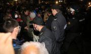 Доклад: Властите в България нападат журналисти и критици, разгонват протести