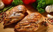 Рецепта за вечеря: Печено пилешко с чеснова паста
