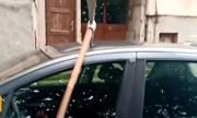 Колата на жена от Ловеч осъмна със забита кирка (ВИДЕО)