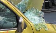 Кола се преобърна в нива между Монтана и Лом, пострада жена