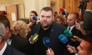 Пеевски дойде в НС и обяви: Оставам, тук съм по-нужен