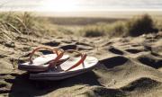 Здравен министър наруши изолацията, за да отиде на... плаж