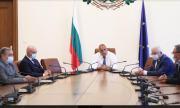 Борисов свика Националния оперативен щаб – увеличават капацитета на интензивните отделения
