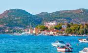 Лодка се преобърна в морето край Измир, има жертви