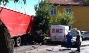 Жена загина при тежка пътна злополука в Айтос, много ранени
