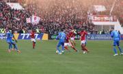 Футболисти бягат масово от България заради пандемията