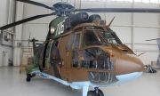 Военни и вертолет