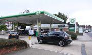 Великобритания остана и без бензин, хората панически изкупуват горивото