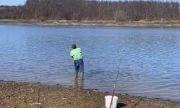 Откриха трупа на отнесения от приливна вълна рибар