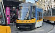 Трамвай аварира и спря движението в София