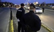 Разследват полицай, бил жестоко нарушител на полицейския час (ВИДЕО)