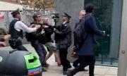 Антиваксъри нападнаха министър (ВИДЕО)