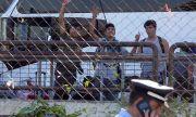Гърция открива на остров Самос първия лагер за бежанци от затворен тип