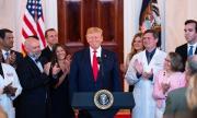 Тръмп отново пренебрегна медицинските експерти