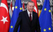 Турция затваря 30 големи града