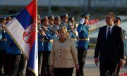 Сръбски политик към Меркел: Вземи Вучич със себе си, ти го доведе на власт