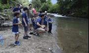 Деца почистиха и зарибиха Бели Вит в Рибарица