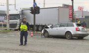 Верижна катастрофа между камион, лек автомобил и микробус в Русе