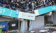 Кошмар в Нидерландия! Трибуна се срути, докато феновете на Витес празнуваха победа (ВИДЕО)