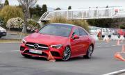 Mercedes-Benz CLA се изложи в лосовия тест (ВИДЕО)