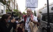 Скандал на Острова! Архитектът на Брекзит не се извини за нарушаване на карантината