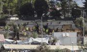 Мерки! Гърция изгражда бетонни стени около бежанските лагери