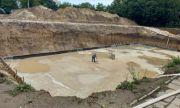 Строителството на голям басейн е в напреднал етап