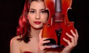 18-годишната Лора Маркова е лауреат на конкурс за цигулари