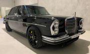 Какво ще кажете за Mercedes от 1968 година с двигател и интериор от C63 AMG? (ВИДЕО)