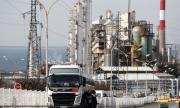 Китай запълва запасите си от нефт