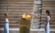 Скриха олимпийския огън заради COVID-19