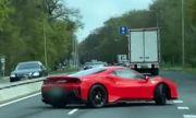 Защо суперкарите не са за всеки или как най-новото Ferrari катастрофира ден след покупката (ВИДЕО)