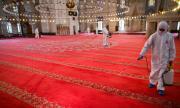 Джамиите в Турция отварят за петъчната молитва