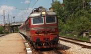 Монтанско: Влак спука черепа на пиян, лежащ на релсите
