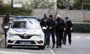 Младежът, обезглавил учител във Франция, поддържал контакт с рускоговорящ джихадист